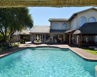 Golfer's Lodge - Edenvale - Pool