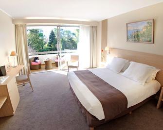 Best Western Sevan Parc Hotel - Pertuis - Schlafzimmer