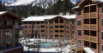The Village Lodge - Mammoth Lakes