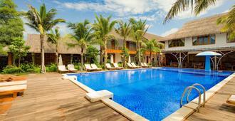 Phu Quoc Dragon Resort & Spa - Phu Quoc - Pool