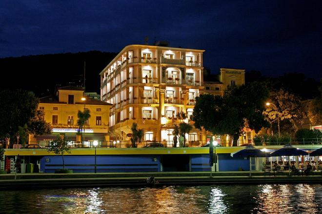 Hotel Mozart - Opatija - Building