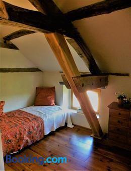Maison Olleris - Beaumarchés - Bedroom