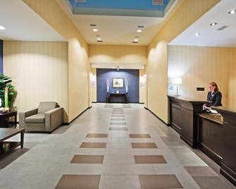 Holiday Inn Express Hotel & Suites Okmulgee - Okmulgee - Lobby