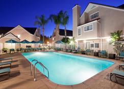 Residence Inn by Marriott Irvine Spectrum - Irvine - Piscine