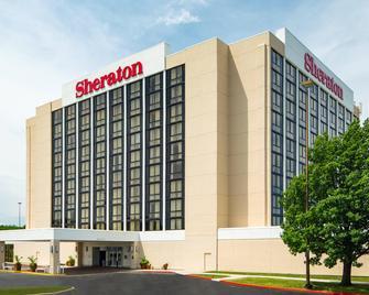 Sheraton West Des Moines Hotel - West Des Moines - Building