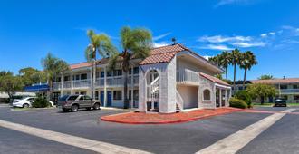 Motel 6 Los Angeles Pomona - Pomona - Rakennus