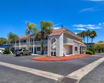 Motel 6 Los Angeles-Pomona - Pomona - Building