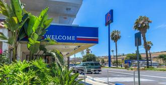 Motel 6 Los Angeles Pomona - Pomona - Building