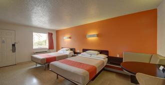 Motel 6 San Antonio Downtown - Market Square - סן אנטוניו - חדר שינה