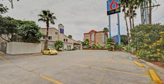 Motel 6 San Antonio Downtown - Market Square - Сан-Антонио - Здание