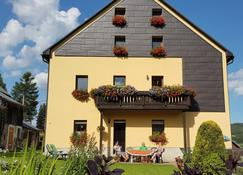 Ferienwohnungen 'Am Schloessel' - Oberwiesenthal - Gebäude