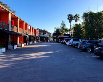 Central Jetty Motel - The Entrance - Outdoors view