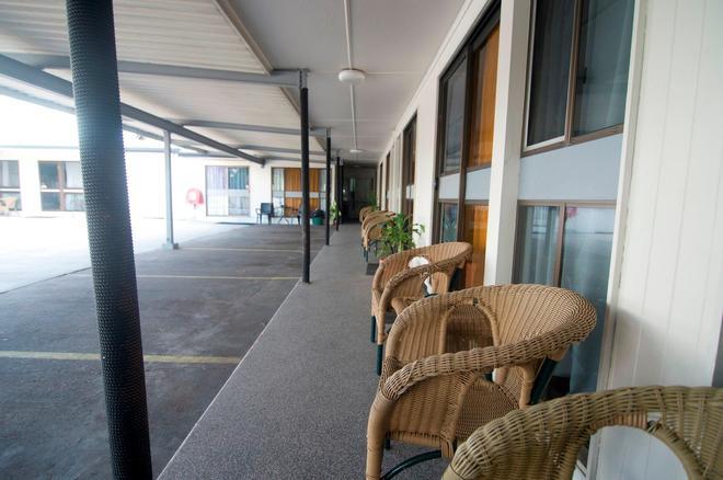 Cool Palms Motel - Mackay - Patio
