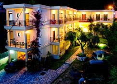 Hotel Loukas Vrachos - Vrachos - Building
