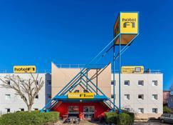 hotelF1 Nîmes ouest - Nîmes - Gebäude