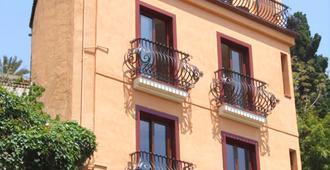 Mamma Maria - Taormina - Building