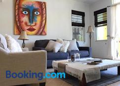 Caye Reef Condos - Caye Caulker - Living room
