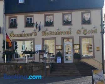 Naumann`s Hotel & Restaurant - Бургштедт - Building