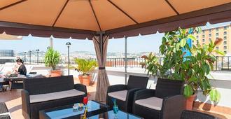 Hotel Tiempo - Neapel - Uteplats