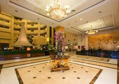 Oriental Riverside Hotel - Shanghai Int'L Convention Center - Shanghai - Lobby
