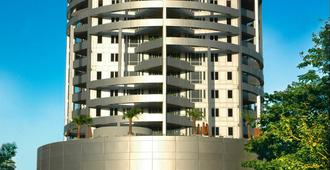 Taj Wellington Mews Luxury Residences - Mumbai - Building