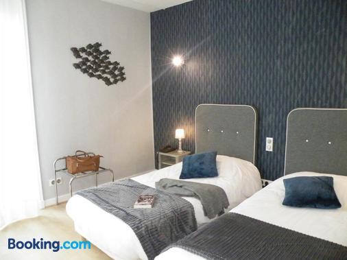 Brit Hotel - Le Grand Hotel - Roanne - Bedroom