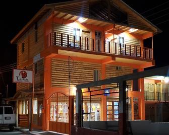 Hotel Taramuri - Creel - Building