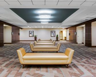 Holiday Inn La Mirada - La Mirada - Lobby