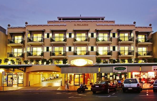 Il Palazzo Holiday Apartments Cairns - Cairns - Rakennus