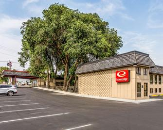 Econo Lodge near Snake River - Idaho Falls - Edificio