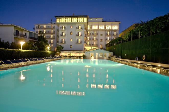 Grand Hotel Flora - Sorrento - Uima-allas