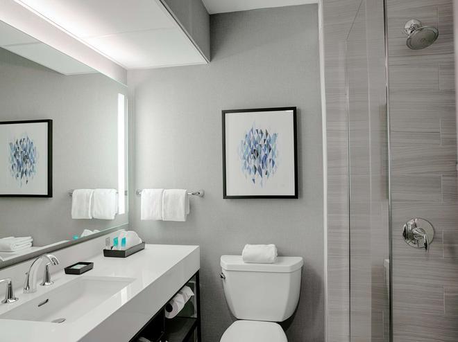 Hyatt Regency Louisville - Louisville - Phòng tắm