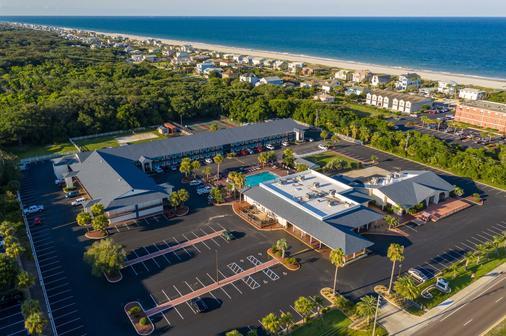 Ocean Coast Hotel at the Beach - Fernandina Beach - Building