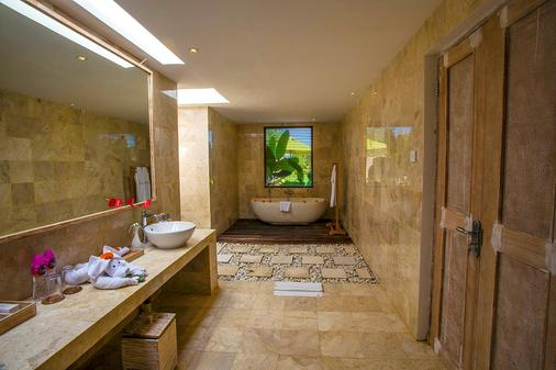 Atta Mesari Villas - Ubud - Bathroom