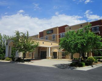 Extended Stay America - Fayetteville - Cross Creek Mall - Fayetteville - Bina