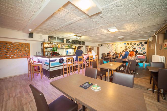 Patio Hostel - Bratislava - Restaurant
