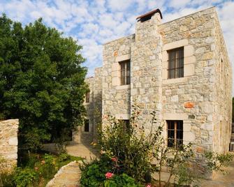 Eski Datça Evleri Mini Hotel - Datça - Building