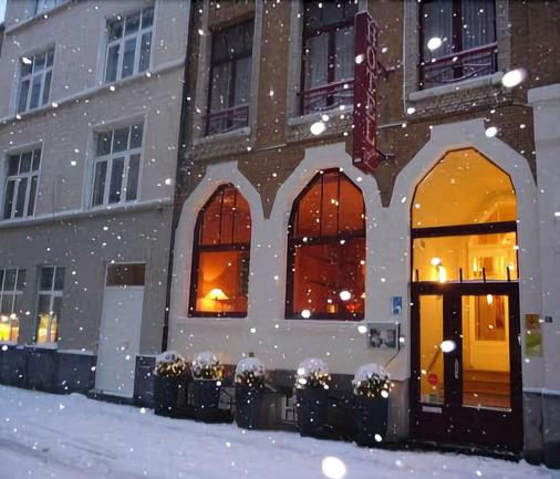 Hotel Louisa - Ostend - Building