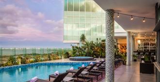 Fiesta Inn Cancun Las Americas - Cancún - Piscina