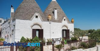 Grandi Trulli Bed & Breakfast - Alberobello - Building