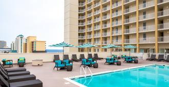 Comfort Suites Beachfront - Virginia Beach - Pool