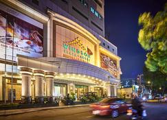 Windsor Plaza Hotel - Ho Chi Minh City - Building