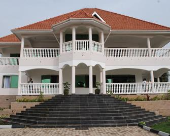Victoria Royal Beach Hotel - Entebbe - Gebouw