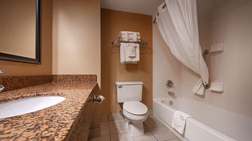 Best Western Inn Florence - Florence - Banheiro