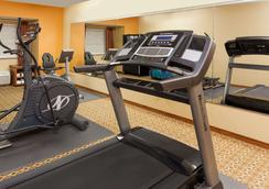 Microtel Inn & Suites by Wyndham South Bend/At Notre Dame - South Bend - Gym