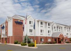 Microtel Inn & Suites by Wyndham South Bend/At Notre Dame - South Bend - Edificio
