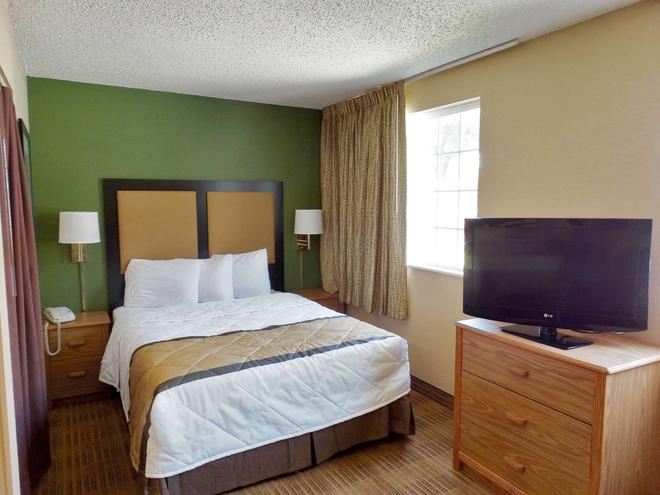 Extended Stay America - Kansas City - Airport - Tiffany Springs - Kansas City - Bedroom