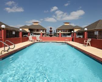 Guest Inn San Benito/Harlingen - San Benito - Bazén