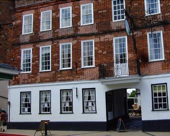 The Swan Hotel - Harleston - Building