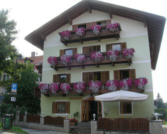 Pension Kühbacher - Villabassa/Niederdorf - Building